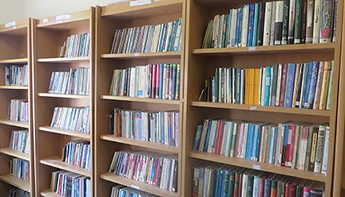 کلبه علم و آگاهی جوانان/ کتابخانه پنج هزار جلدی مسجد